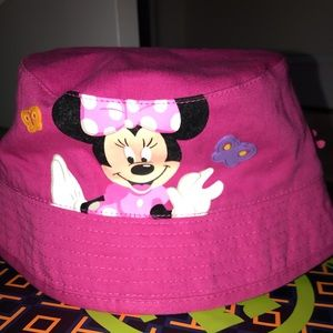 NEVER WORN Disney Minnie Mouse bucket hat